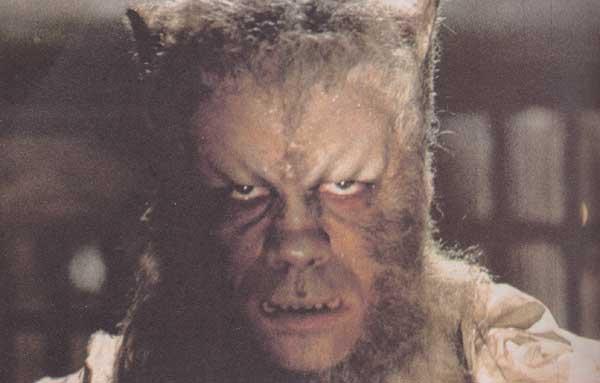 Oliver  Reed en loup-garou dans les années 1960