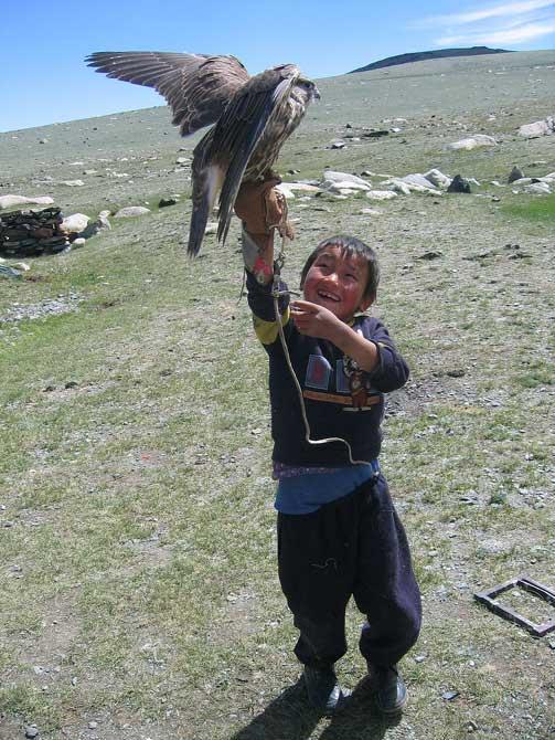 Jeune mongol et son aigle royal
