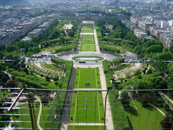 Champ de Mars. Paris