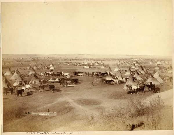 'Camp Indien en 1891' from the web at 'http://www.dinosoria.com/tragedie/indien.jpg'