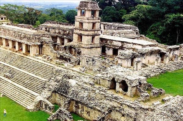 Le déclin des civilisations est-il inévitable ? Palenque