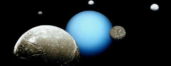 'Uranus et ses satellites' from the web at 'http://www.dinosoria.com/univers/satellites_uranus.jpg'